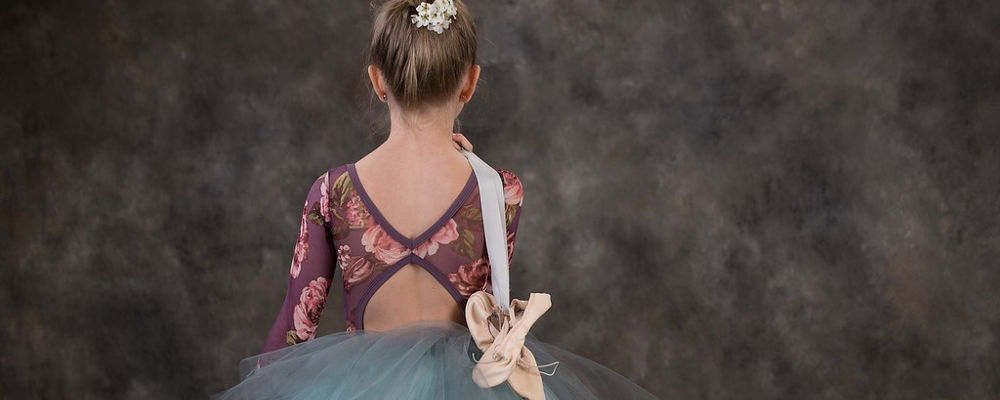 Dance classes in Tap, Ballet, Pointe, Jazz, Acrobatics, Lyrical, and Hip Hop